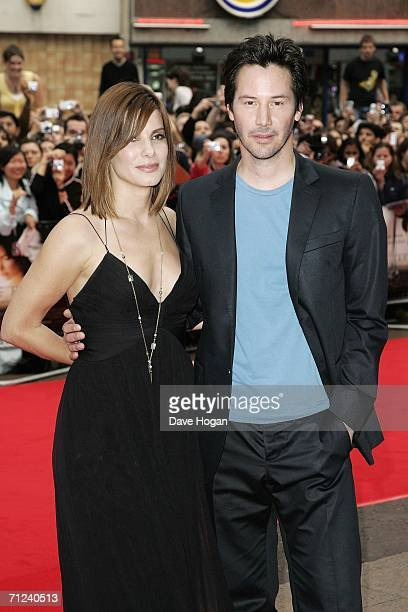 """Actors Sandra Bullock and Keanu Reeves arrive at the European Premiere of """"The Lake House"""" at Vue West End, Leicester Square on June 19, 2006 in..."""