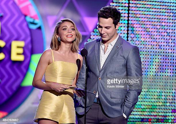Actors Sarah Hyland and Skylar Astin speaks onstage during the Teen Choice Awards 2015 at the USC Galen Center on August 16 2015 in Los Angeles...