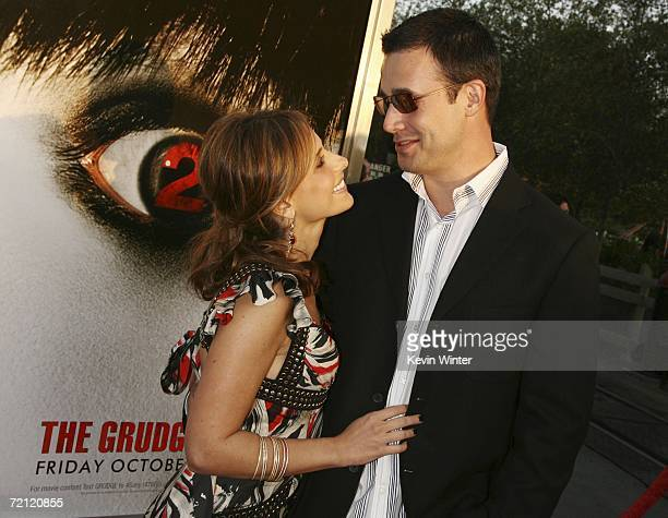 Actors Sarah Michelle Gellar and husband Freddie Prinze Jr arrive at the premiere of Columbia Pictures' 'The Grudge 2' at Knott's Scary Farm on...