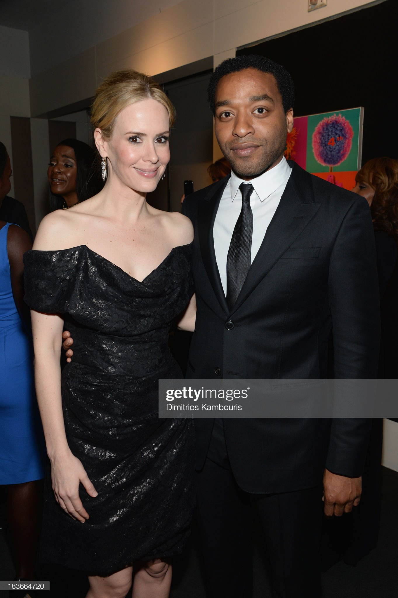 [Image: actors-sarah-paulson-and-chiwetel-ejiofo...=2048x2048]