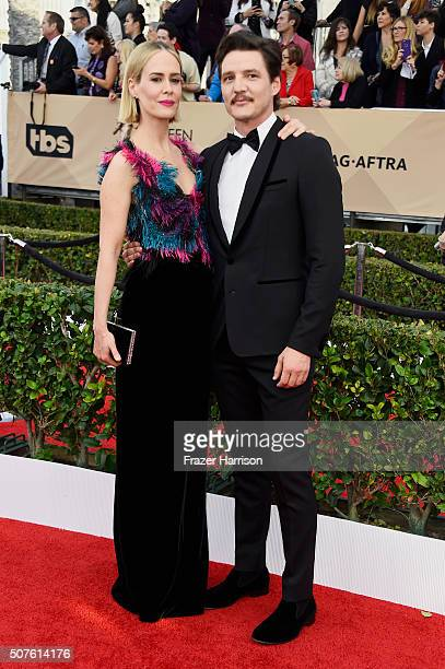 Actors Sarah Paulson and Pedro Pascal attend the 22nd Annual Screen Actors Guild Awards at The Shrine Auditorium on January 30, 2016 in Los Angeles,...