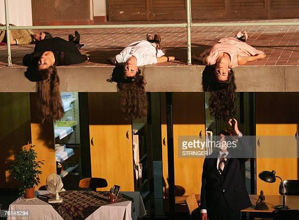"""Actors Sasha Rau, Bettina Stucky, Olivia Grigolli, Katja Kolm and Graham Valentine perform during the reheasal 16 August 2007 of """"Sauser aus Italien""""..."""