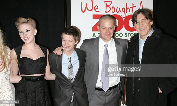 Actors Scarlett Johansson Colin Ford Matt Damon and director Cameron Crowe attend the We Bought a Zoo premiere at Ziegfeld Theater on December 12...