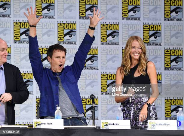 "Actors Sean Teale and Jamie Chung onstage at Comic-Con International 2017 ""The Gifted"" Extended Sneak Peek at San Diego Convention Center on July 21,..."