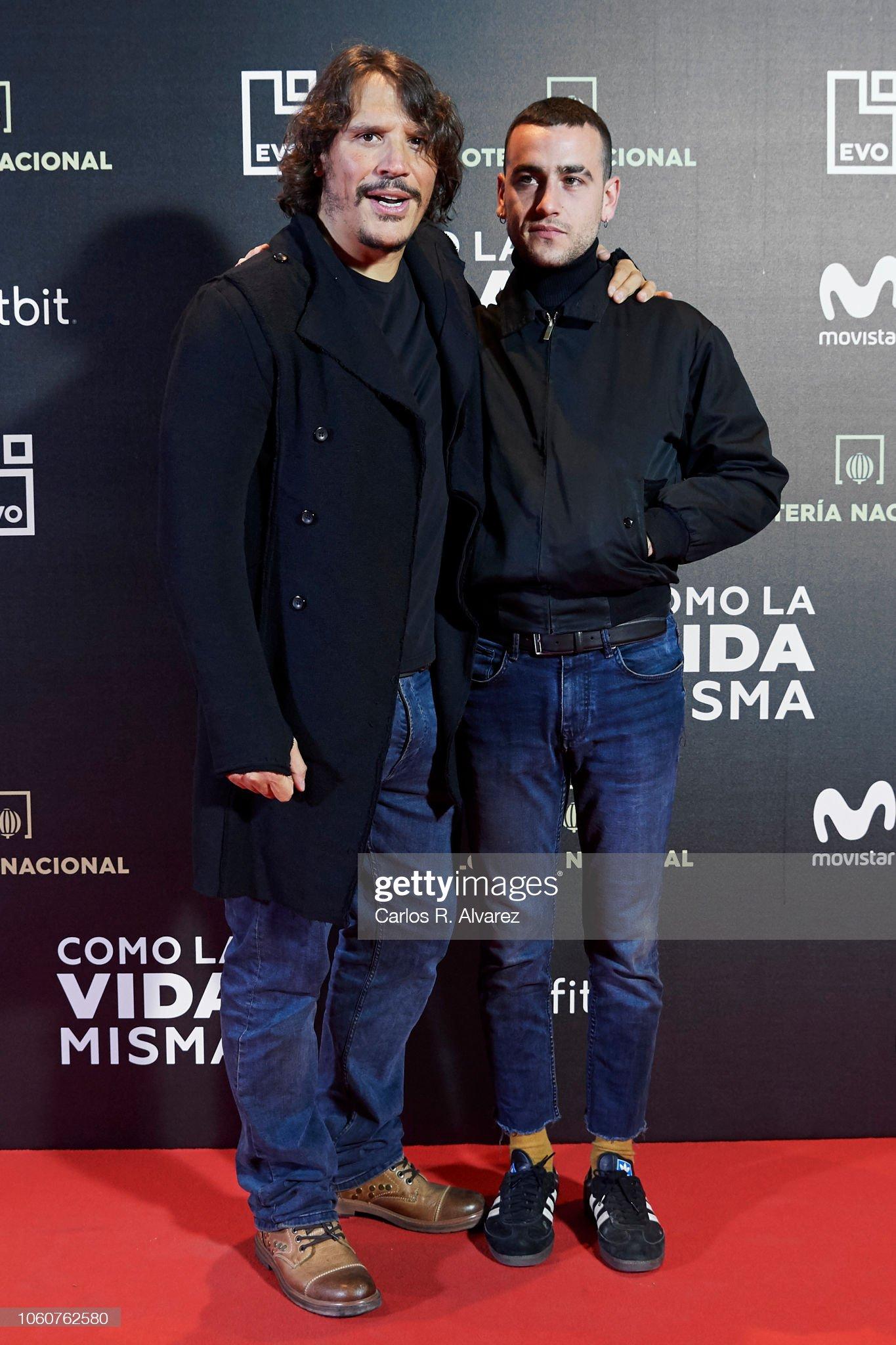¿Cuánto mide Sergio Peris Mencheta? - Altura Actors-sergio-perismencheta-and-alex-monner-attend-como-la-vida-misma-picture-id1060762580?s=2048x2048