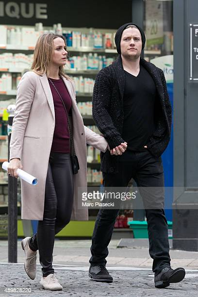 Actors Shantel Vansanten and Jon Fletcher are seen strolling in the Montmartre quarter on September 24 2015 in Paris France