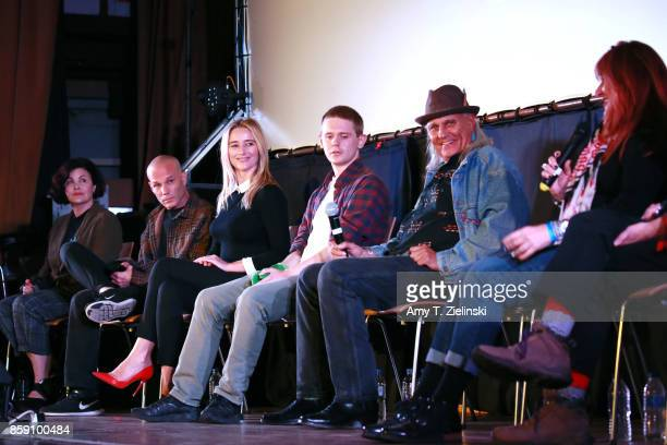 Actors Sherilyn Fenn James Marshall Amy Shiels Jake Wardle Michael Horse Sean Bolger and Makeup artist Debbie Zoller answer questions on stage during...
