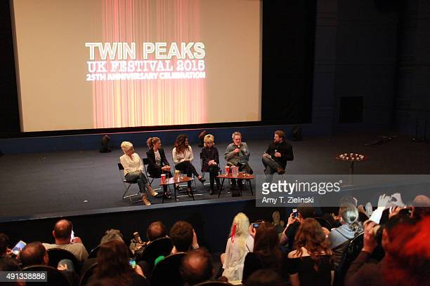 Actors Sherilyn Fenn Madchen Amick with her daugther singer Mina Tobias singer Julee Cruise and actor Al Strobel attend a QA with a Time Out reporter...