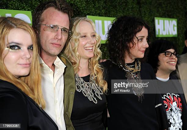 Actors Sianoa SmitMcPhee Thomas Jane Anne Heche Jane Adams and Charlie Saxton arrive at the HBO premiere of Hung held at Paramount Studios on June 24...