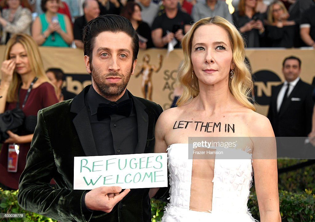 Actors Simon Helberg (L) and Jocelyn Towne attend The 23rd Annual Screen Actors Guild Awards at The Shrine Auditorium on January 29, 2017 in Los Angeles, California. 26592_008