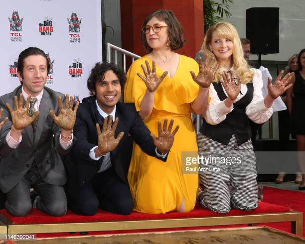 Actors Simon Helberg Kunal Nayyar Mayim Bialik and Melissa Rauch attend the handprint in cement ceremony for the cast of The Big Bang Theory at the...