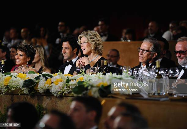Actors Simone Bent and Troy Garity Honoree Jane Fonda Record producer Richard Perry and actor Peter Fonda attend the 2014 AFI Life Achievement Award...