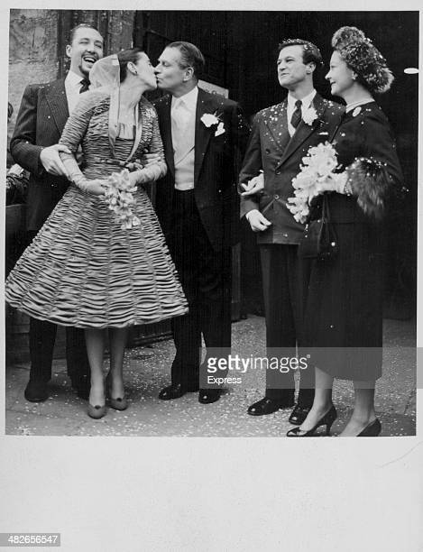 Actors Sir Laurence Olivier and Vivien Leigh at the wedding of actor Frank Thring and model Joan Cunliffe StratforduponAvon England November 21st 1955
