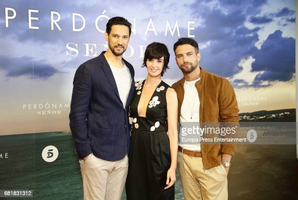Actors Stany Coppet Paz Vega and Jesus Castro attend the 'Perdoname Senor' photocall at Mediaset Studios on May 10 2017 in Madrid Spain