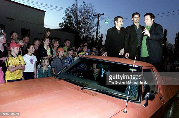 Actors Stephen Curry Eric Bana and Dave O'Neil arrive in an unusal fashion to the premiere of the film 'Nugget' in Mudgee 7 October 2002 SMH Picture...