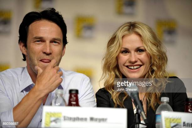 Actors Stephen Moyer and Anna Paquin speak during True Blood QA at ComicCon 2009 held at San Diego Convention Center on July 25 2009 in San Diego...