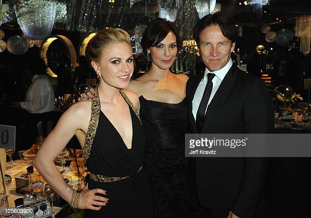 Actors Stephen Moyer Michelle Forbes and Anna Paquin attend the Governor's Ball during the 63rd Primetime Emmy Awards at the Los Angeles Convention...