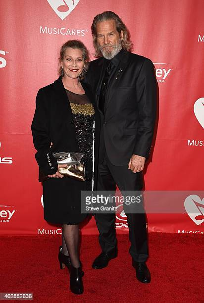 Actors Susan Geston and Jeff Bridges attend the 25th anniversary MusiCares 2015 Person Of The Year Gala honoring Bob Dylan at the Los Angeles...