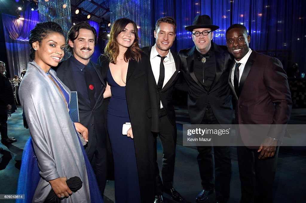 Actors Susan Kelechi Watson, Milo Ventimiglia, Mandy Moore, Justin Hartley, Chris Sullivan and Sterling K. Brown attend The 22nd Annual Critics' Choice Awards at Barker Hangar on December 11, 2016 in Santa Monica, California.
