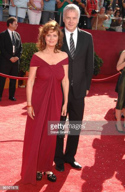 Actors Susan Sarandon and Tim Robbins arrives at the 60th Primetime Emmy Awards at the Nokia Theater on September 21, 2008 in Los Angeles, California.
