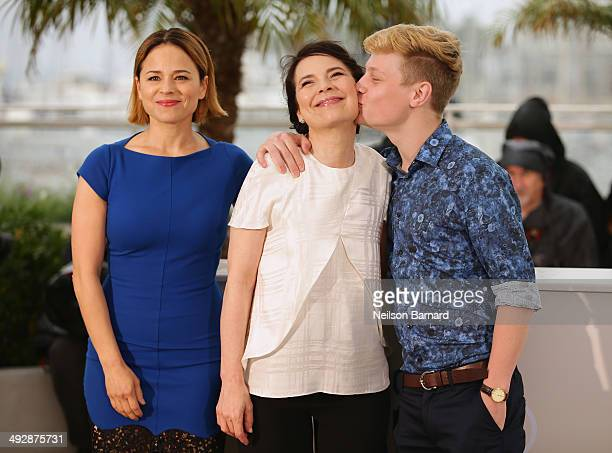 Actors Suzanne Clement Anne Dorval and Olivier Pilon attend the 'Mommy' photocall during the 67th Annual Cannes Film Festival on May 22 2014 in...