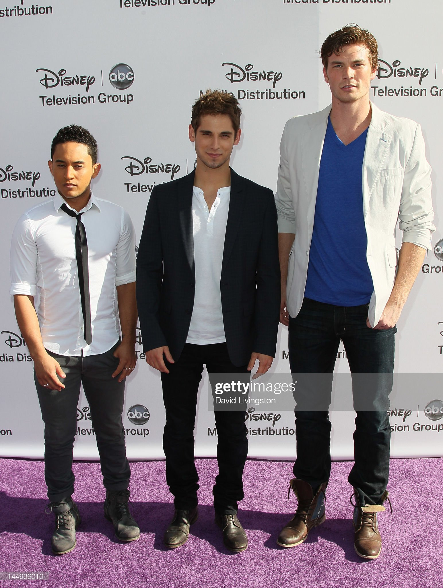 ¿Cuánto mide Tahj Mowry? - Altura - Real height Actors-tahj-mowry-jeanluc-bilodeau-and-derek-theler-attend-disney-picture-id144936010?s=2048x2048