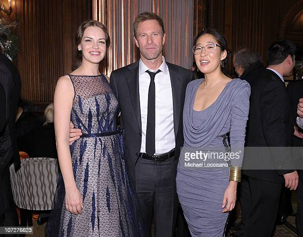 Actors Tammy Blanchard Aaron Eckhart and Sandra Oh attend the premiere after party for 'Rabbit Hole' at The Oak Room on December 2 2010 in New York...