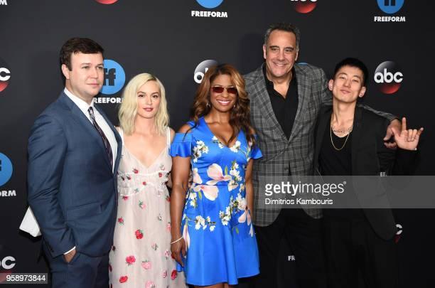 Actors Taran Killiam Leighton Meester Kimrie LewisDavis Brad Garrett Jake Choi of Single Parents attend during 2018 Disney ABC Freeform Upfront at...