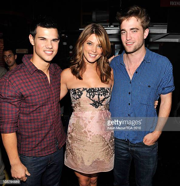 Actors Taylor Lautner, Ashley Greene and Robert Pattinson attend the 2010 Teen Choice Awards at Gibson Amphitheatre on August 8, 2010 in Universal...