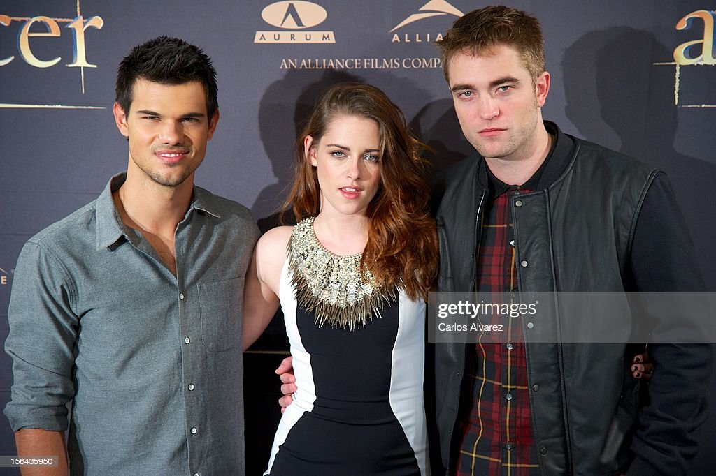 Actors Taylor Lautner, Kristen Stewart and Robert Pattinson attend the 'The Twilight Saga: Breaking Dawn - Part 2' (La Saga Crepusculo: Amanecer Parte 2) photocall at the Villamagna Hotel on November 15, 2012 in Madrid, Spain.
