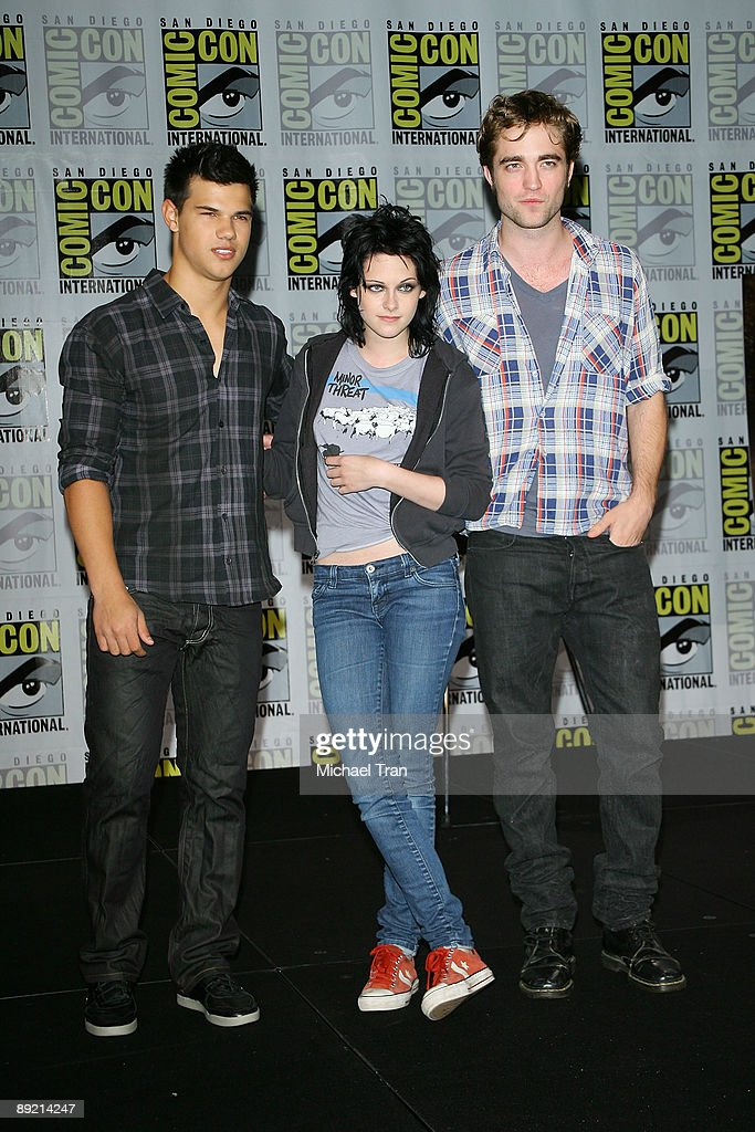 "2009 Comic-Con - ""New Moon"" Press Conference : News Photo"