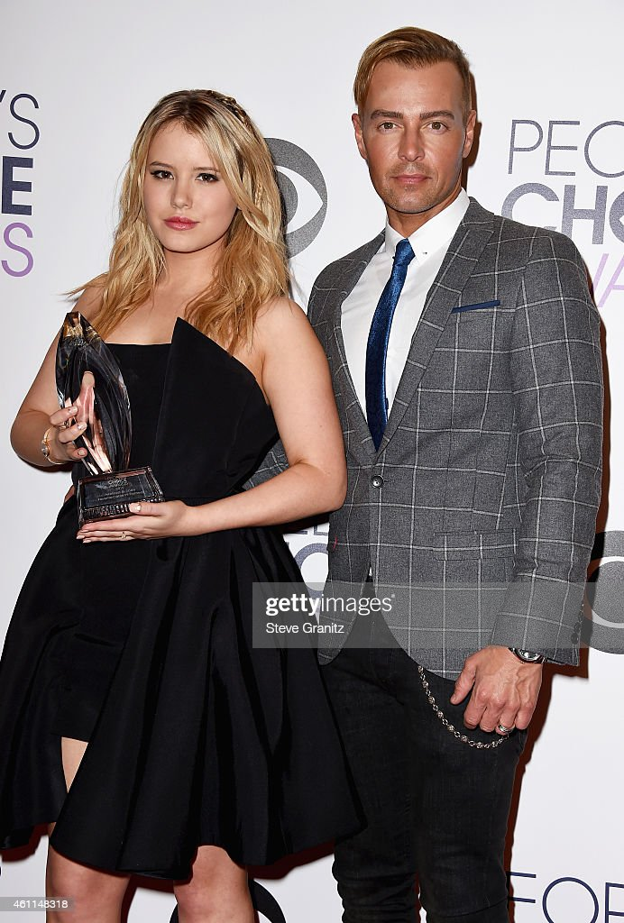 Actors Taylor Spreitler (L) and Joseph Lawrence pose in the press room at the 41st Annual People's Choice Awards at Nokia Theatre LA Live on January 7, 2015 in Los Angeles, California.