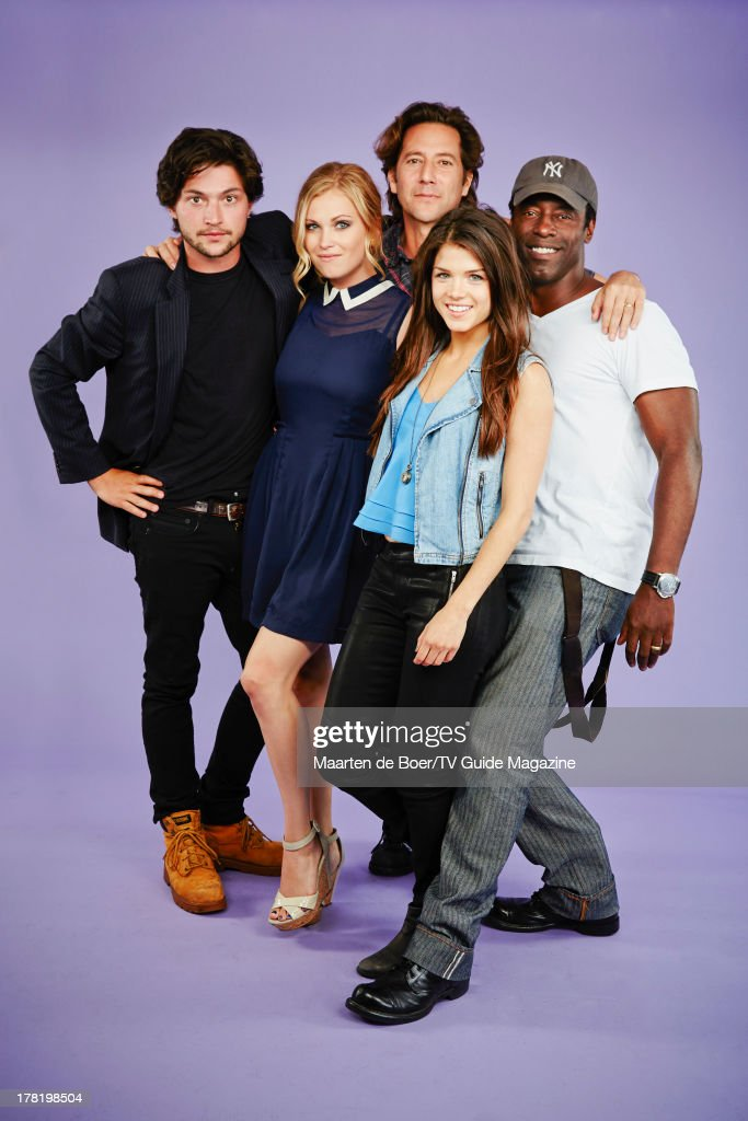 Cast of The Hundred, TV Guide Magazine, Comic Con 2013 : News Photo