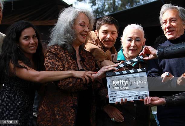 Actors Tiare Scanda Isela Vega Beatriz Aguirre and Joaquin Aguirre during the making of the movie Los Inadaptados at Colonia Las Aguilas on December...