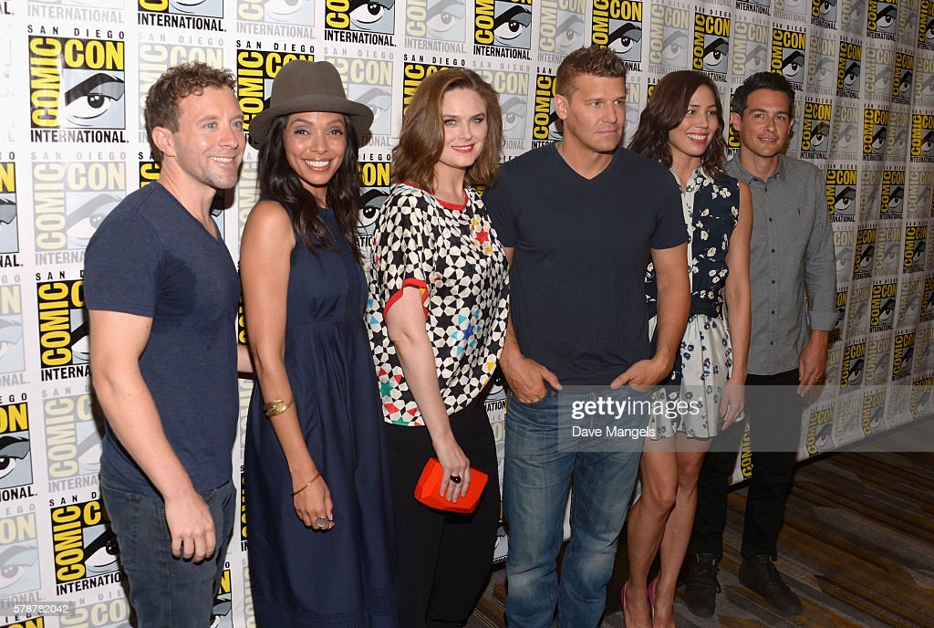 Actors T.J. Thyne, Tamara Taylor, Emily Deschanel, David Boreanaz, Michaela Conlin and John Boyd attend Comic-Con International 2016 'Bones' press line at Hilton Bayfront on July 22, 2016 in San Diego, California.