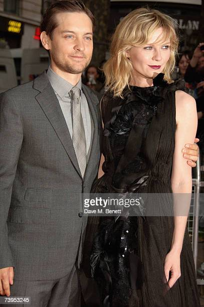 Actors Tobey Maguire and Kirsten Dunst arrive at the UK film premiere of 'Spider-Man 3', at the Odeon Leicester Square on April 23, 2007 in London,...