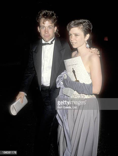 Actors Tom Hulce and Elizabeth Berridge of 'Amadeus' attend the 57th Annual Academy Awards on March 25 1985 at Dorothy Chandler Pavilion in Los...