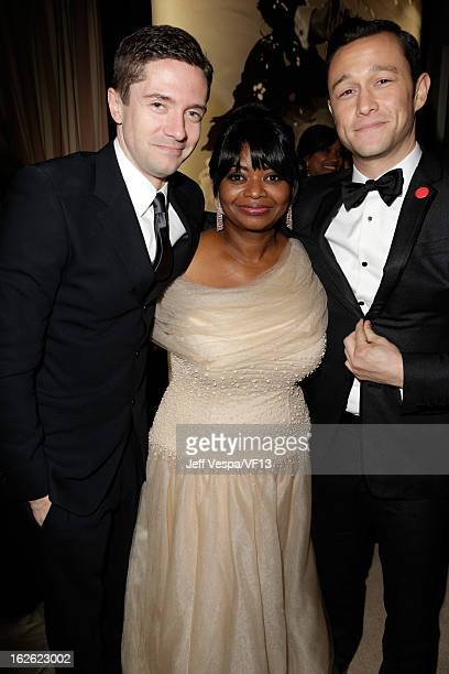 Actors Topher Grace Octavia Spencer and Joseph GordonLevitt attend the 2013 Vanity Fair Oscar Party hosted by Graydon Carter at Sunset Tower on...