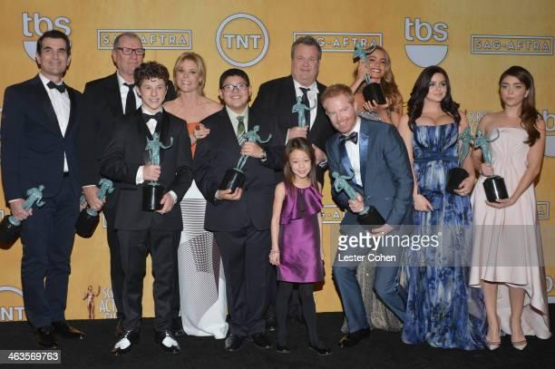 Actors Ty Burrell Ed O'Neill Nolan Gould Julie Bowen Rico Rodriguez Aubrey AndersonEmmons Eric Stonestreet Jesse Tyler Ferguson Sofía Vergara Ariel...