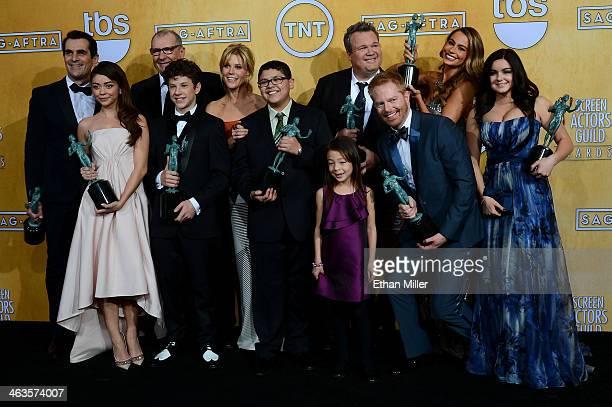 Actors Ty Burrell Sarah Hyland Ed O'Neill Nolan Gould Julie Bowen Rico Rodriguez Aubrey AndersonEmmons Eric Stonestreet Jesse Tyler Ferguson Sofia...