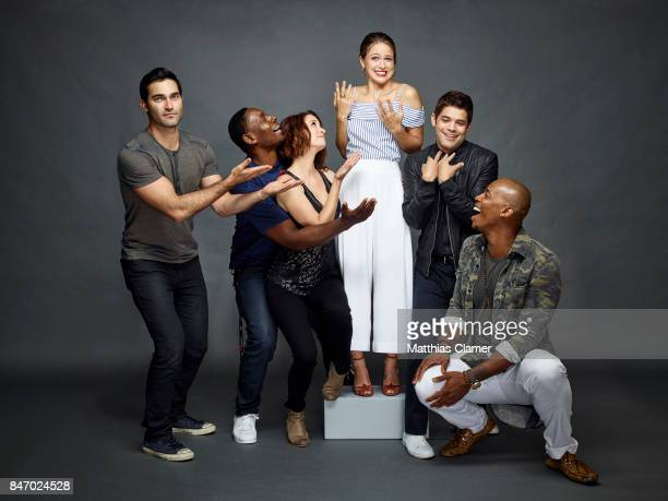 Actors Tyler Hoechlin David Harewood Chyler Leigh Melissa Benoist Jeremy Jordan and Mehcad Brooks from 'Supergirl' are photographed for Entertainment...
