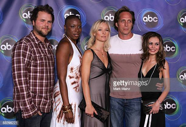 Actors Tyler Labine Aisha Hinds Kari Matchett William Fichtner and Alexis Dziena arrive at the ABC TCA party at the Abby on July 27 2005 in West...