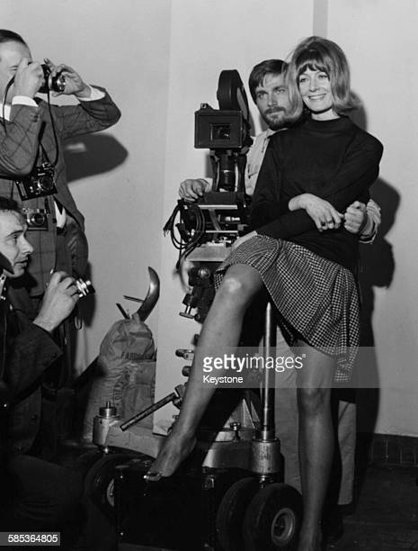 Actors Vanessa Redgrave and Franco Nero posing for photographers during a press conference for their film 'A Quiet Place in the Country' Rome April...