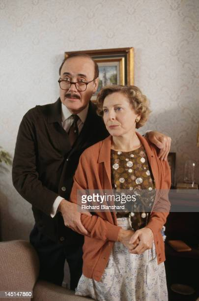 Actors Victor Spinetti and Barbara Ferris as Mr and Mrs Lawson in a scene from 'The Krays' directed by Peter Medak 1990