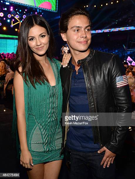 Actors Victoria Justice and Jake T Austin attend the Teen Choice Awards 2015 at the USC Galen Center on August 16 2015 in Los Angeles California