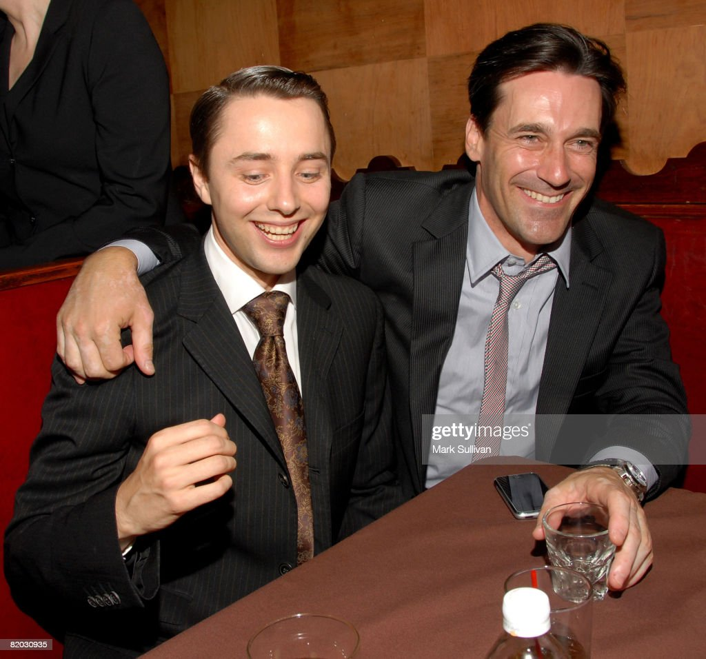 [Image: actors-vincent-kartheiser-and-jon-hamm-a...id82030935]