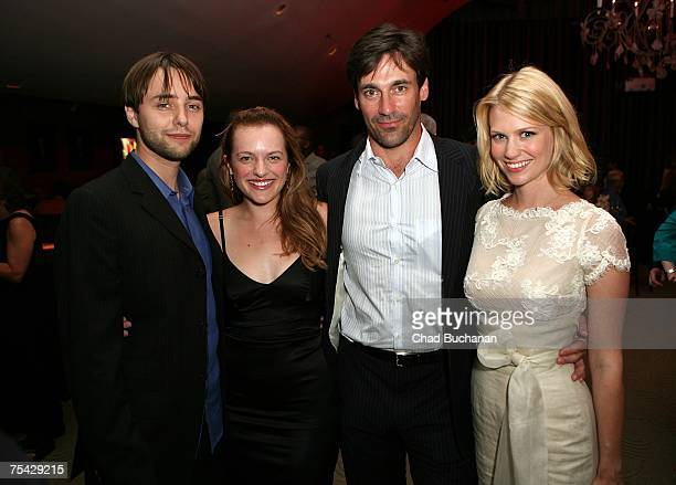 Actors Vincent Kartheiser Elisabeth Moss Jon Hamm and January Jones attend AMC's premiere party for 'Mad Men' at The Friars Club on July 15 2007 in...