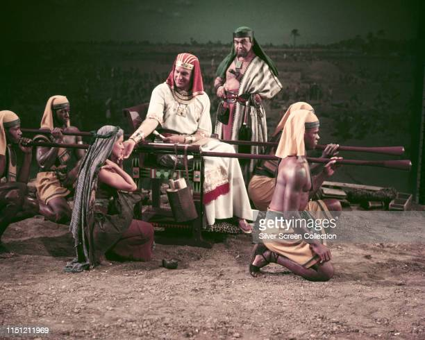 Actors Vincent Price as Baka and Edward G Robinson as Dathan in a scene from the biblical epic 'The Ten Commandments' 1956