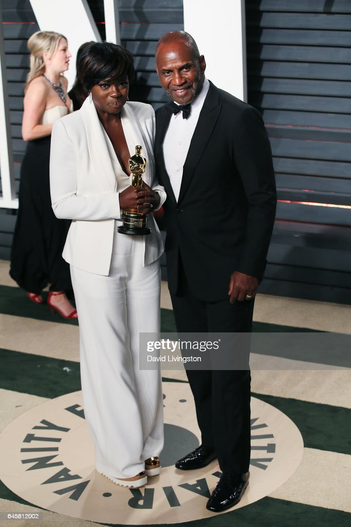 Actors Viola Davis (L) and Julius Tennon attend the 2017 Vanity Fair Oscar Party hosted by Graydon Carter at the Wallis Annenberg Center for the Performing Arts on February 26, 2017 in Beverly Hills, California.