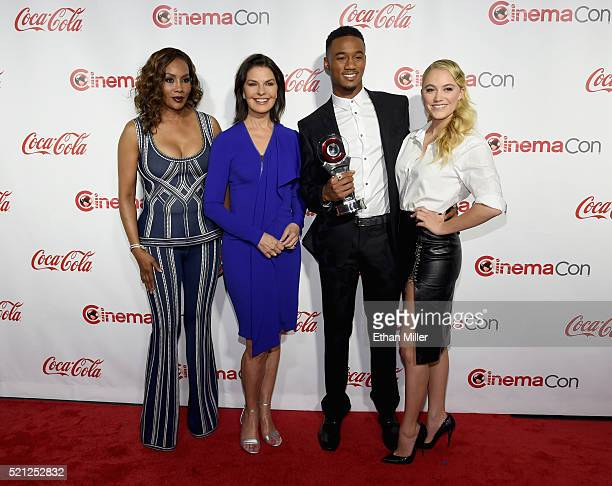 Actors Vivica A Fox Sela Ward Jessie Usher and Maika Monroe recipients of the Ensemble of the Universe Award for 'Independence Day Resurgence' attend...